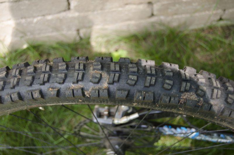 Scratch_Rear_Tire.jpg