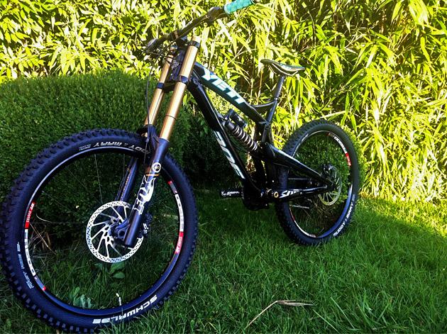 Fresh Gear New Yeti Bikes And Rock Shox Monarch Xx Carbon